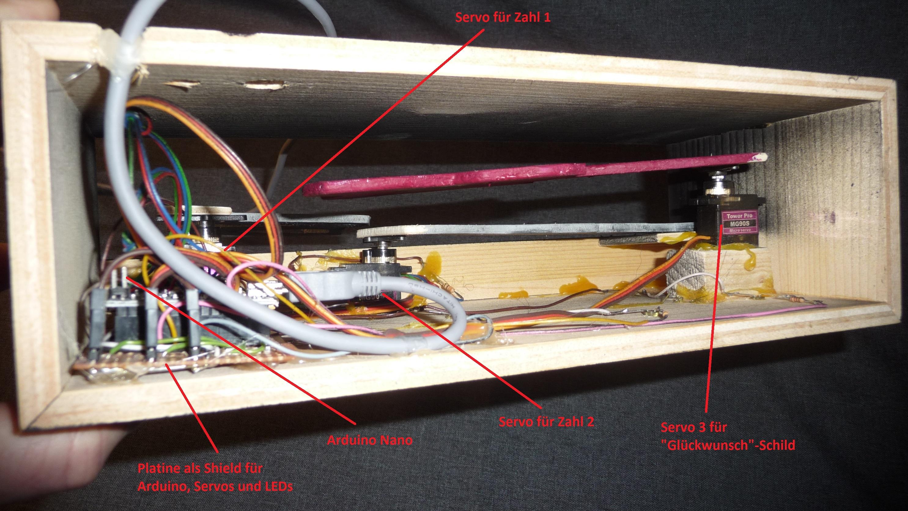 Projekt 12: Ansicht von unten mit Arduino, Servos und LEDs