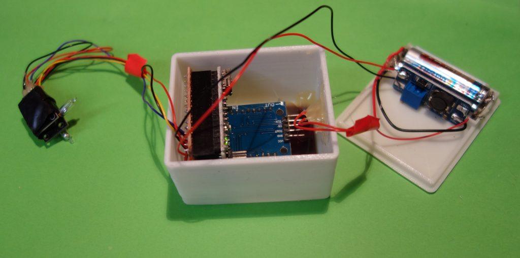 Befestigung von Arduino und Matrix LED im Gehäuse