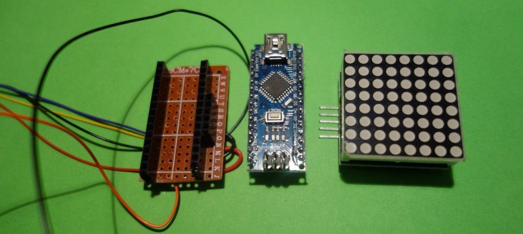Platine mit Buchsenleisten für Arduino und LED Matrix