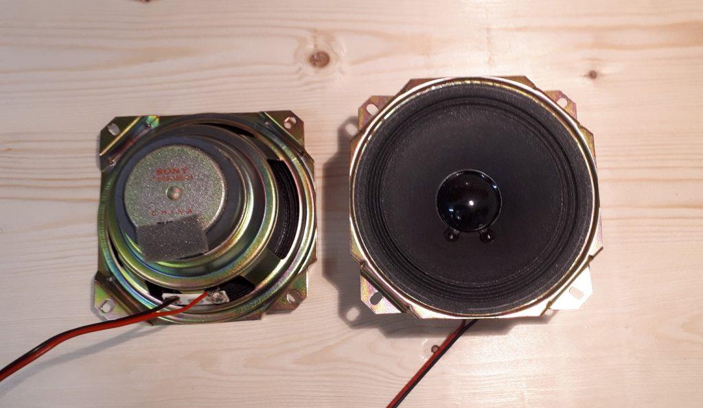 Lautsprecher recycelt aus alter Sony-Stereoanlage